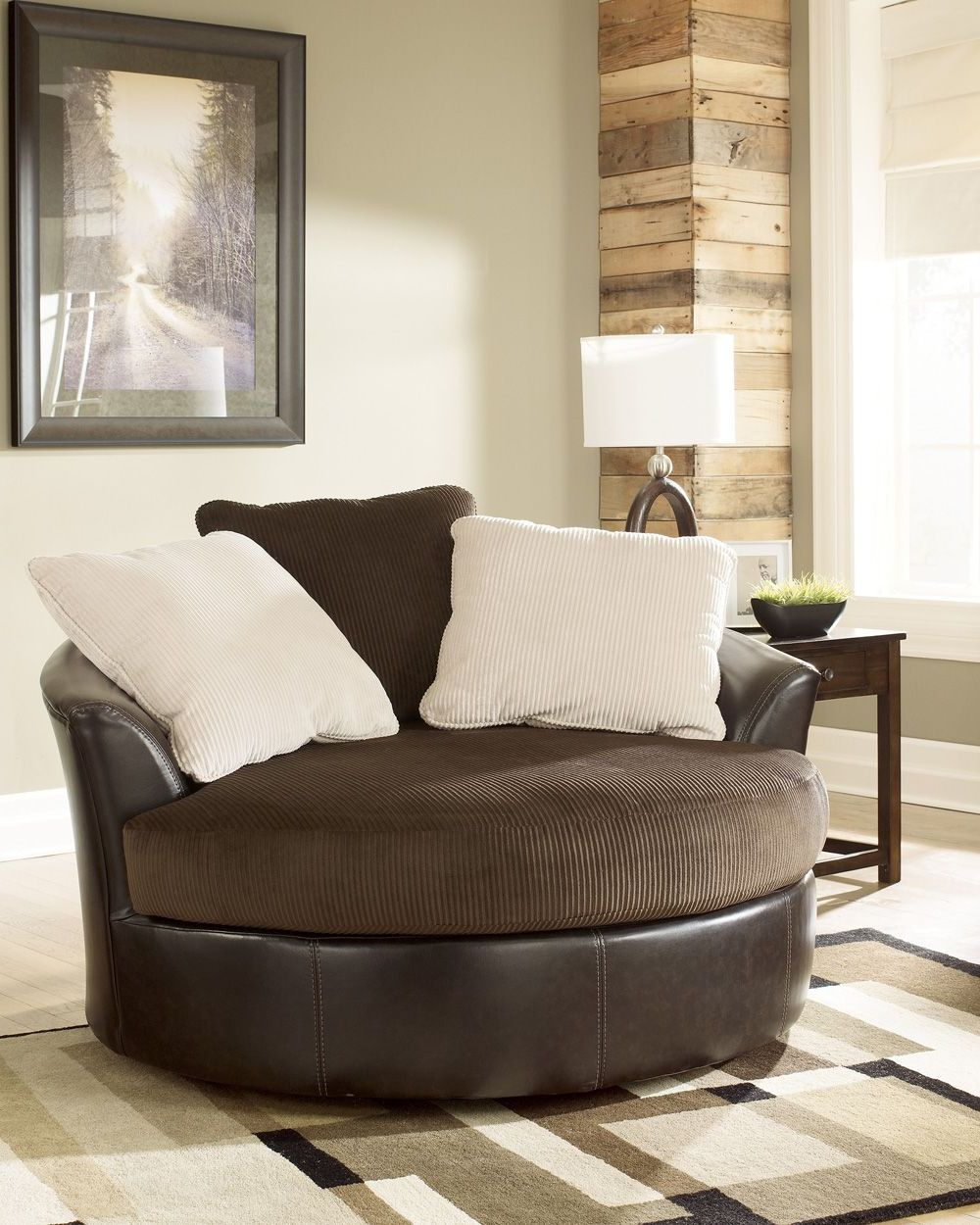 Superbe Swivel Accent Chair   Signature Designs By Ashley 50700