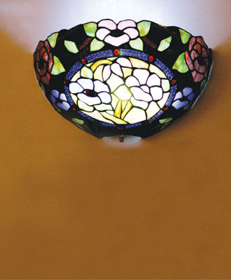 Stained Glass Floral Design Battery Powered Sconce